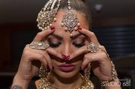 Bride backstage with Jewells